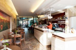 Kleiner Cafe Grossklein 1